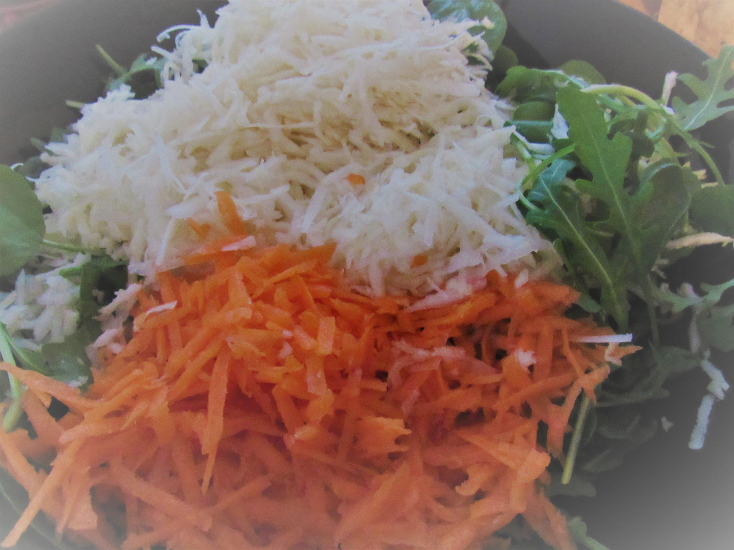 Stilton salad with celeriac and almond